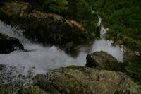 La partie superieure vertigineuse des cascades d'Ars