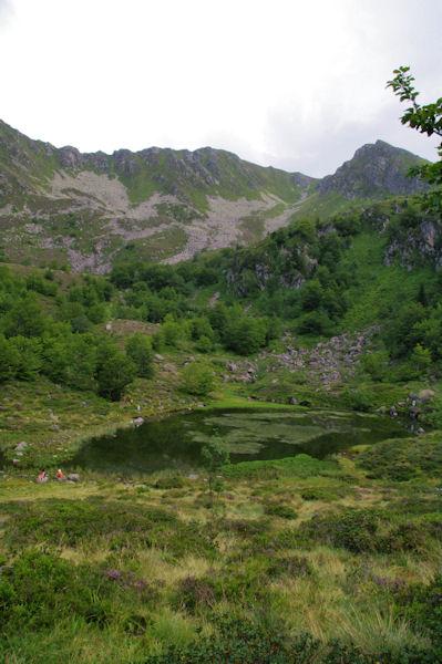 L_Etang de Labant dominé par le Pic de Cabanatous