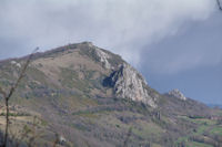 Le chateau de Roquefixade et le Roc Marot