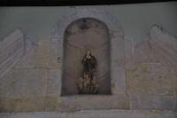 A l_entrée de l_église de Lavelanet