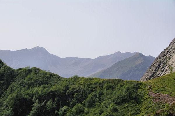 Les Puigs Peric et le Pic de l_Etang de Faury depuis le Col de l_Egue