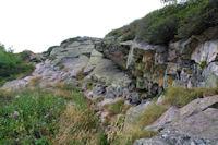 Petit passage rocheux avant d'arriver au sommet de la Dent d'Orlu