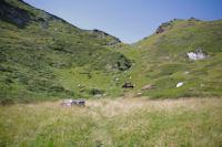 En montant vers le col d'acces au flanc Ouest du Pic de Girantes