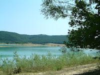 Le Lac Montbel depuis la foret de Leran