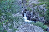 Cascades sur le ruisseau de l'Aston