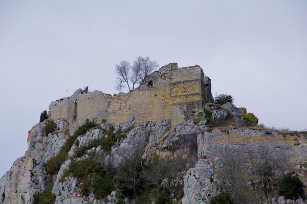 Le château cathare de Roquefixade