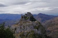 Le chateau de Roquefixade en montant au Roc de la Lauzade
