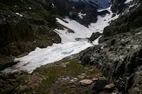 L'Etang du Montcalm, encore bien gele en cette saison