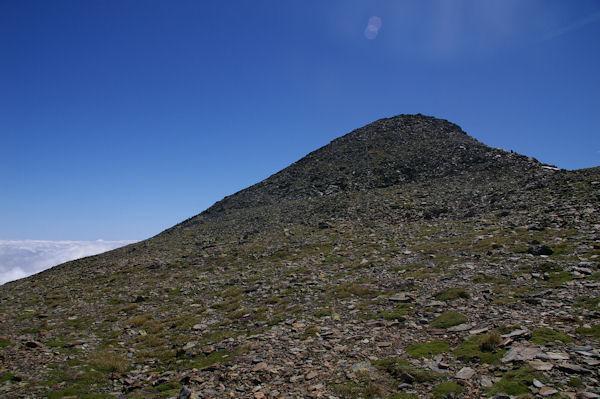 Les dernières pentes donnant accès au Pic du Montcalm