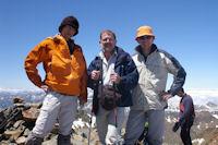 Jacques, Fred et Bernard au Pic Verdaguer, Alexandre prend la photo