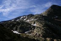Au fond, le Pic du Montcalm pointe le bout de son nez