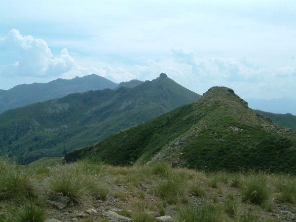 Vue vers le Pic de St Barthélemy et le Pic du Han depuis le sommet de l&#39Estagnole
