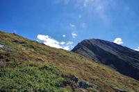 Le cairn sommital du Pic de Sarrasi et la Pique d'Endron