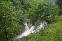 Le ruisseau de l'Artigue en furie au barrage de Lagreu