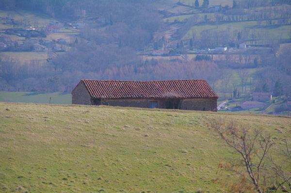 Une grange au dessus de Carein