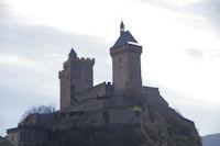 Le Chateau de Foix depuis la rue St Sauveur