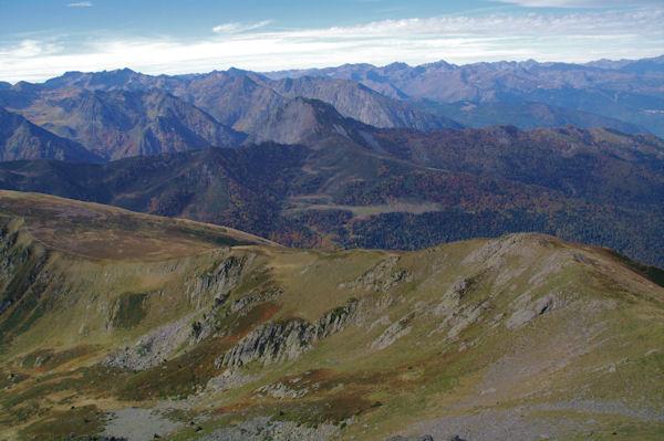Depuis le Pic de Tarbésou, vue Ouest sur le Sarrat des Escales