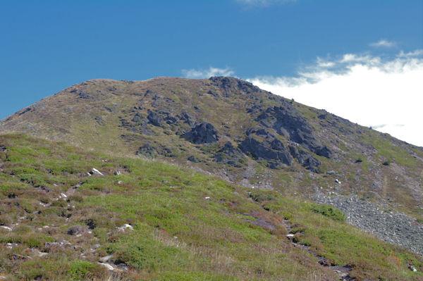 Les pentes Sud du Pic de Tarbésou depuis le Sarrat des Escales