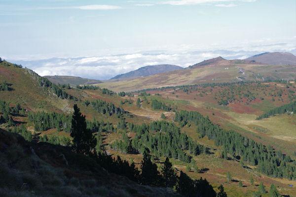Le Pla de Mounégou, au fond, le Picaucel au dessus du Col de Pailhères