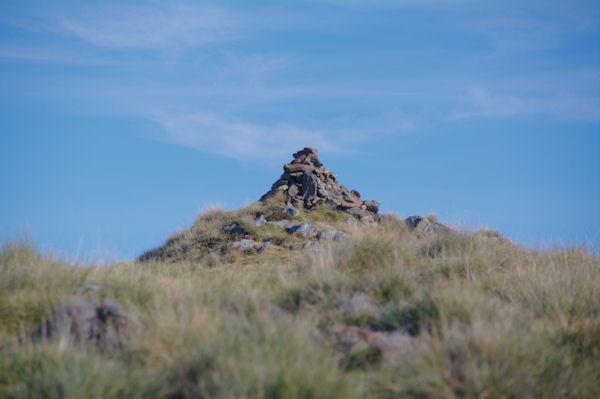 Le cairn sommital de Sarrat de la Pelade