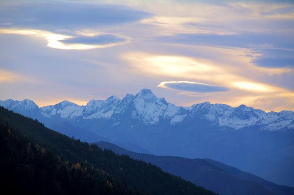 Nuages lenticulaires au dessus du Mont Valier