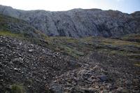 Le pierrier pour contourner l'arete Sud Ouest du Mont Valier