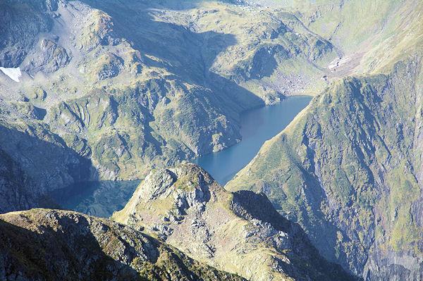 L_Etang Long depuis les pentes du Mont Valier