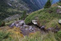 Un ruisseau en descendant vers la Cascade de Nerech