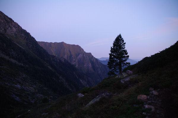 Le jour se lève près de la Cascade de la Lauze