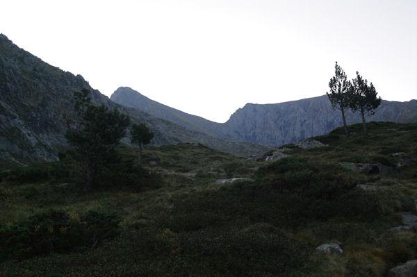 Le Mont Valier est en vue en arrivant vers le Refuge des Caussis
