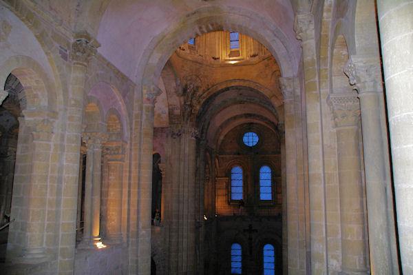 La partir supérieure de la nef de l_Abbaye Ste Foy