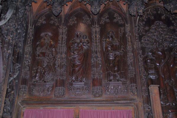 Dans le Chœur de la Cathédrale Ste Marie