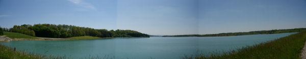 Panoramique sur le lac de la Gimone depuis le barrage