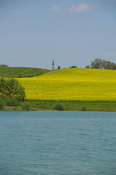 Le clocher de l&#39église de Lalanne-Arqué