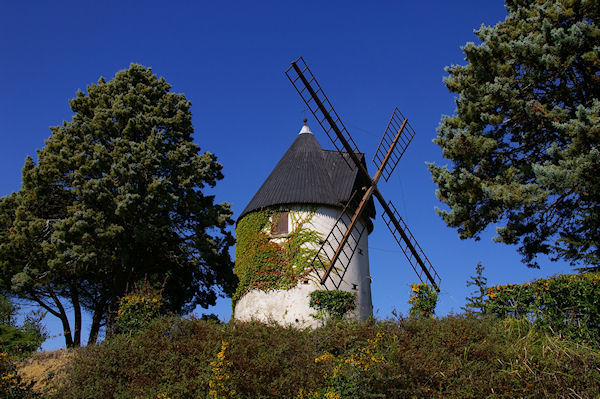 L&#39ancien Moulin magnifiquement restauré entre Pague et Picat