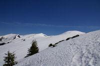 Les cretes enneiges des Pics de Burat, de Bassioues, de la Hage et de Bacanere