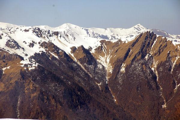 Les crêtes du Mont Né