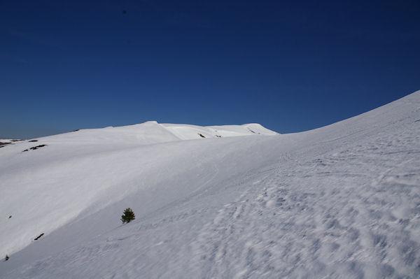 Au fond, le Pic de Bacanère