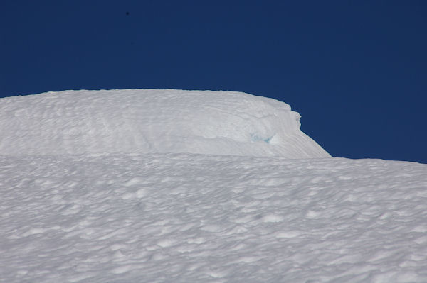 Congères au dessus du Col des Taons de Bacanère