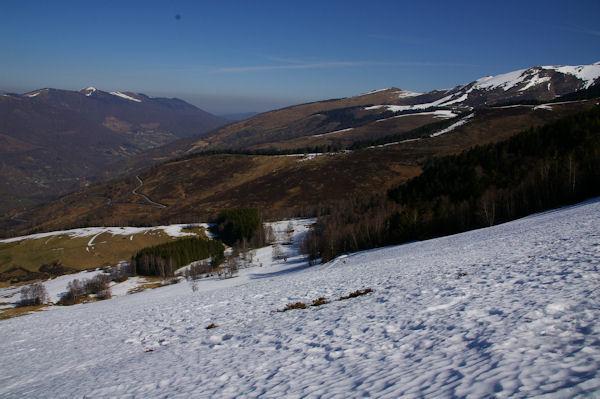 Au loin la vallée de Luchon