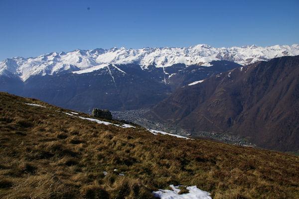 Au fond de la vallée, Bagnères de Luchon