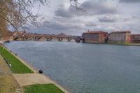 Le Pont Neuf et l_Hotel Dieu St Jacques