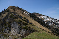 La breche du Col du Pas de l'Ane, a droite, le Sommet des Parets