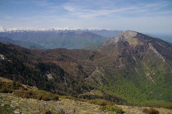 La Vallée du Job, à droite, le Pic Saillant et le Pic du Gar depuis les crêtes du Sommet de Pique Poque