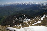 Les pentes Est du Pic de Cagire et la vallee du Ger