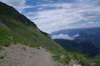 Le chemin a flanc sur les pentes Sud du Pic de Cecire