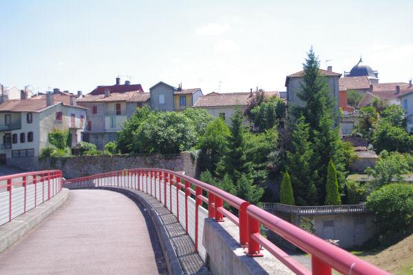 Passerelle pour accéder à Montréjeau