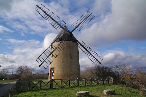 Le superbe moulin de Montbrun Lauragais