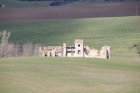Un chateau en ruine pres du Bois de la Tuilerie