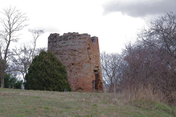 Le moulin en ruine de Donneville
